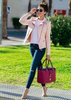 Powdered pink jacket, burgundy handbag and designer nude shoes. Classy Outfits, Chic Outfits, Fall Outfits, Fashion Outfits, Womens Fashion, Work Outfits, Teen Fashion, Mode Chic, Mode Style