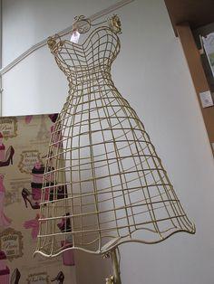 Pretty wire dress form