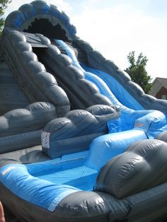 Wild Rapids Dual Lane Inflatable Water Slide with Pool. Cool Water Slides, Water Slide Rentals, Structures Gonflables, Cool Pool Floats, Inflatable Water Park, Bouncy House, Summer Fun List, Pool Accessories, Pool Toys