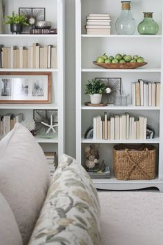 5 simple tips for how to decorate or styling bookshelves with books, vases, and with pictures. Built in bookcase or Ikea. bookshelves with pictures 5 Simple Tips For Decorating Shelves - Organised Pretty Home Styling Bookshelves, Creative Bookshelves, Decorating Bookshelves, Bookshelf Design, Built In Bookcase, Bookshelf Ideas, Bookcases, Bookshelf Organization, Book Shelves