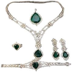 Rare 18-karat Gold Important Emerald Diamond Necklace Earring Pierre Hotel Circa 1920s