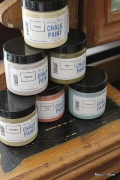 Maison Decor: Chalk Paint™ Tips for using Annie Sloan Chalk Paint Chalk Paint Wax, Using Chalk Paint, Chalk Paint Projects, Paint Stain, Chalk Paint Furniture, Milk Paint, Furniture Projects, Diy Furniture, Furniture Makeover