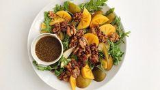 Pære- og persimonsalat med ristede valnøtter — FAMILIEMAT