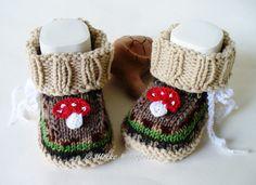 Strick- & Häkelschuhe - Babyschuhe Fliegenpilz - ein Designerstück von strickliene bei DaWanda