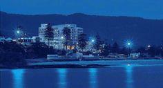 Novotel Northbeach Wollongong.NSW, Australia. #welovethhegong Marina Bay Sands, San Francisco Skyline, New York Skyline, Places To Visit, Australia, Airports, Building, Hotels, Travel