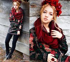 Chicwish  Sweater, Cult Gaia Flower Crown, Zara Boots