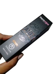 Get a custom foiled e-liquid packaging box at wholesale prices.