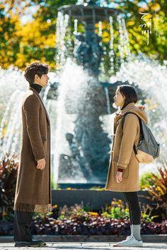 Fantasy Romantic Comedy 'Guardian' Debuts at on TV Chart J Pop, Korean Celebrities, Korean Actors, Korean Dramas, Goblin Lockscreen, Goblin 2016, Goblin The Lonely And Great God, Goblin Korean Drama, Goblin Gong Yoo