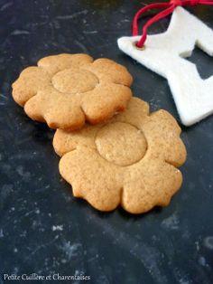 Petites Fleurs au Miel de Châtaignier, à la Cannelle et au Gingembre Cookie Recipes, Sweets, Snacks, Baking, Desserts, Food, Grands Parents, Muffins, France