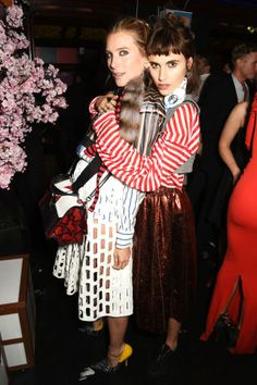 Fashion month parties continue in London with the best A-listers. Dree Hemingway and Langley Fox Hemingway At Mui Mui London Fashion Week Party.