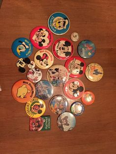 Lot Of 22 Vintage Disney Pinback Buttons Mickey Mouse Disneyland Disney World
