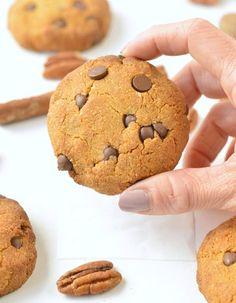 HEALTHY PUMPKIN CHOCOLATE CHIPS COOKIES vegan + gluten free #pumpkincookies #pumpkin #cookies #vegancookies #easy #healthy #vegan #glutenfree #soft #chocolatechips #6ingredient #best #videos Gluten Free Pumpkin Cookies, Pumpkin Chocolate Chip Cookies, Cookies Vegan, Easy To Make Cookies, Healthy Pumpkin, Healthy Sweets, Vegan Recipes Easy, Glutenfree, Videos