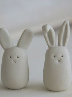 Stuffed Animals Crafts - I adore Rabbit Crafts for both Easter Crafts and Spring Crafts. In fact we love making rabbits and bunnies all year round. as they are simply adorable! Rabbit Crafts, Bunny Crafts, Easter Crafts, Easter Decor, Easter Ideas, Kids Crafts, Diy Clay, Diy With Clay, Polymer Clay Projects