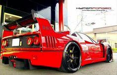 Ferrari F40. .