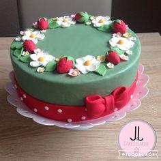 Little strawberry cake