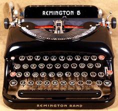 Vintage Typewriters at The Vintage Typewriter Shoppe! Old Typewriter Font, Typewriter For Sale, Antique Typewriter, Manual Typewriters For Sale, Vintage Typewriters, Vintage Cameras, I Dream Of Genie, Writing Machine, Learn Guitar Chords