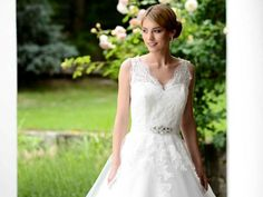 Embroidery lace wedding dress 2015
