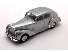 The TrueScale Minitatures 1/43 1949 Rolls-Royce Silver Dawn is part of the TrueScale Miniatures 1/43 scale diecast model car range and displays some fantastic and intricate details.