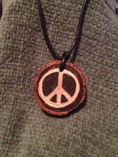 Woodburned Peace Symbol Pendant by FireWoodCrafts on Etsy, €9.00