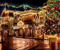 Main Street USA Disneyland | Christmas Time