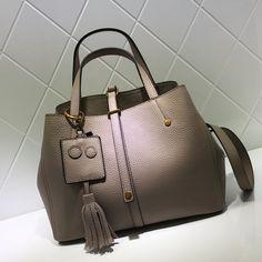 20d78defcf41 Women Fashion Natural Leather Tote Bag Handbag Messenger Bag Cross Body Bag  AM08 Overview: Design