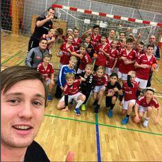 Fotos - Aalborg Håndbold Aalborg, Basketball Court, Sports, Pictures, Hs Sports, Sport