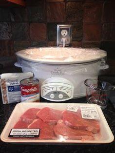 Brandi's Blog: Tasty Tuesday: Crockpot Round Steak with Rich Gravy