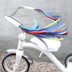 Retro Your Ride Bicycle Streamers - Streamers for your Bike, Trike or Scooter Handlebars - Retro, Cool, and Handmade  Atomic Raygun