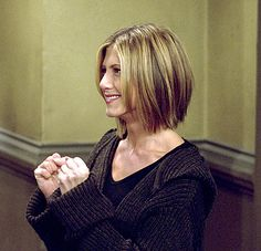 In honor of Friends turning 20 on Sept. Us Weekly takes a look back at Rachel Green's hairstyles throughout the seasons, as worn by Jennifer Aniston; take a look at them all! Bob Hairstyles 2018, Cute Hairstyles For Short Hair, Celebrity Hairstyles, Short Hair Cuts, Short Hair Styles, Short Hair For Women, Scene Hairstyles, Jennifer Aniston Short Hair, Jennifer Aniston Friends