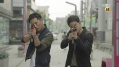 """Descended From the Sun: Episode 1. The """"brothers"""". That funny-action filled first moments of the series"""