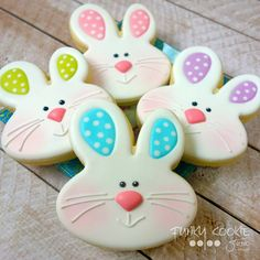 New Baking Cakes Decoration Easter Bunny 42 Ideas – Frutti Decorati Related posts: Incredibly charming Easter cookies which are bunny shaped Iced Cookies, Holiday Cookies, Cupcake Cookies, Sugar Cookies, Cookies Et Biscuits, Fondant Cookies, Frosted Cookies, Cookie Favors, Baby Cookies