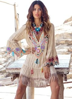 45 Exclusive Spring Boho Outfit Trends 2019 - Page 4 of 4 - Gravetics Hippie Style, Estilo Hippie Chic, Gypsy Style, Hippie Boho, Boho Gypsy, Hippie Hats, Modern Hippie, Boho Chic, Hippie Chic