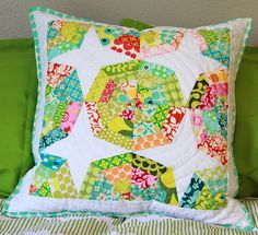 love the colors, pattern and quilting