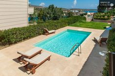 New, independent holiday villa with sea view to Loutraki bay, Akrotiri | Cretico