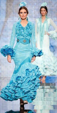 Faly de la Feria al Rocio, Simof 2014 All Fashion, Passion For Fashion, Fashion Show, Fashion Dresses, Flamenco Costume, Flamenco Dancers, Flamenco Dresses, Ganesh, Mexican Costume