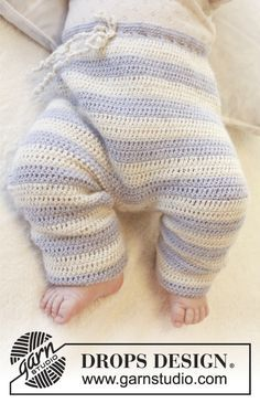 "Free Crochet DROPS pants with tie in waist in ""Alpaca"". Size 0-4 years. ~ DROPS Design"