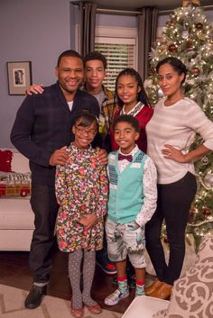 Touring the set of black-ish – #ABCTVEvent #blackish #GoodDinoEvent Read more at http://africasblog.com/2015/12/09/touring-the-set-of-black-ish/