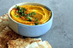 Hummus de Zapallo. Hummus, Thai Red Curry, Macaroni And Cheese, Vegetarian, Fruit, Ethnic Recipes, Food, Corn Starch, Buns