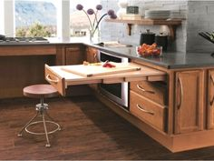 Universal Design and Older Homes - Old House Journal Magazine Kitchen Cabinet Accessories, Kitchen Cabinet Design, Bathroom Cabinetry, Kitchen Cabinets, Kitchen Drawers, Küchen Design, House Design, Interior Design, Handicap Accessible Home