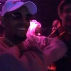 Chris Brown Dance, Chris Brown And Rihanna, Chris Brown Shirtless, Chris Brown Videos, Chris Brown Wallpaper, Chris Brown Official, Harry Styles Smile, Celebs, Celebrities