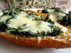 New Orleans Spinach Garlic Bread. Photo by gailanng