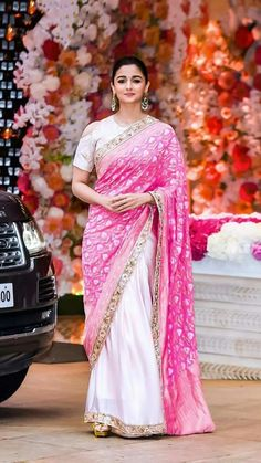 Sarees have been at the core of Indian traditional wear and ethnic fashion industry. The versatile Indian outfit has subconsciously been l. Bollywood Designer Sarees, Designer Silk Sarees, Bollywood Saree, Indian Designer Wear, Bollywood Fashion, Bollywood Celebrities, Indian Dresses, Indian Outfits, Alia Bhatt Saree
