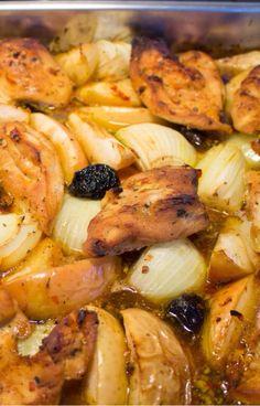"""Silvias chilimarinerte kyllingfilet med epler og svisker""-oppskriften fra TVNorge mat-appen anbefales!  http://welldoneadmin.com/app//?parentId=2028467&customerId=2028468&recipeId=2063342"