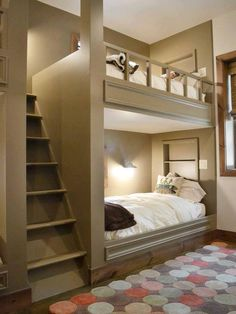 Love this idea for bunkbeds.seems more comfortable and safer. Plus looks better than standard bunkbeds Style At Home, Alcove Bed, Bed Nook, Bunk Beds Built In, Bunk Beds With Steps, Corner Bunk Beds, Kid Beds, Bunk Beds For Adults, Bunk Beds For Girls Room