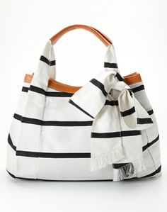 nautical tote with bow