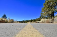 Winter isn't the only time to hop in your car and make the short trek to Big Bear. Even if there's no snow on the mountain, Big Bear is beautiful. Big Bear Lake, Snow Mountain, Sidewalk, Good Things, Travel, Beautiful, Walkways, Viajes, Traveling