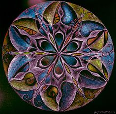 Mandala by *karincharlotte.  This is something else that is new to me.  Wish I had that talent.
