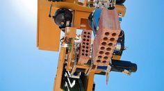 Robô Hadrian foi inspirado em tecnologias de impressoras 3D (Foto: Divulgação)
