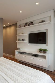 Cheap Home Decorating Sites Bedroom Closet Design, Tv In Bedroom, Room Ideas Bedroom, Bedroom Decor, Home Living Room, Living Room Decor, Modern Tv Wall Units, Tv Unit Furniture, Tv Unit Decor