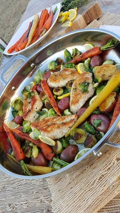 Skillet Chicken with New Spring Veggies Clean Eating http://cleanfoodcrush.com/skillet-chicken-spring-veggies/